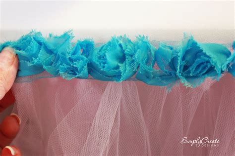 No-Sew-Tulle-Table-Skirt-Diy