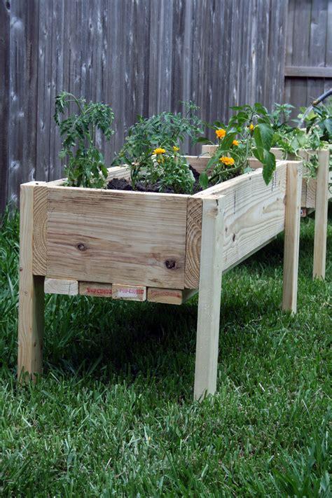 Off-The-Ground-Garden-Bed-Plans