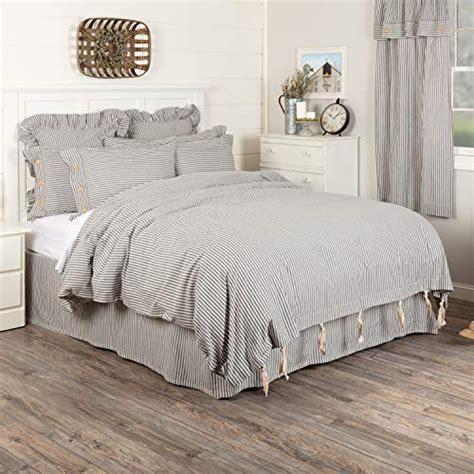 Off-White-Farmhouse-Bedding