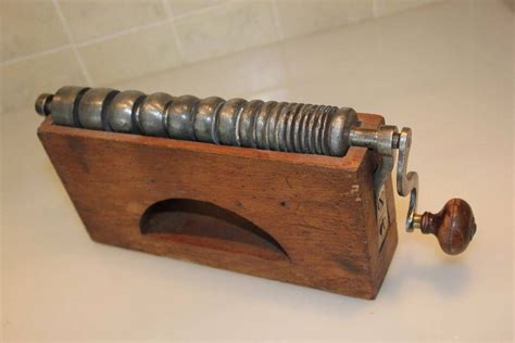 Old-Woodworking-Machines-Before-Electric