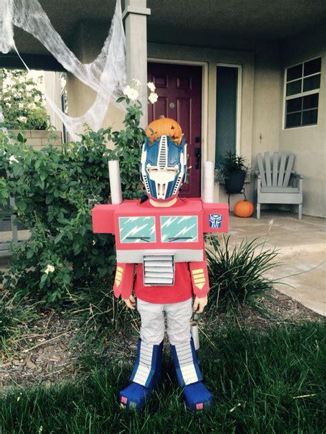 Optimus-Prime-Box-Costume-Diy