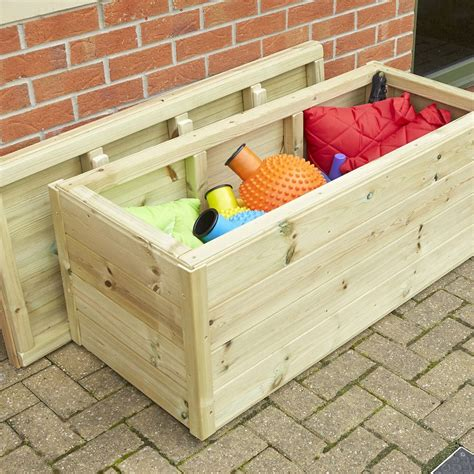 Outdoor Wooden Storage Box Design