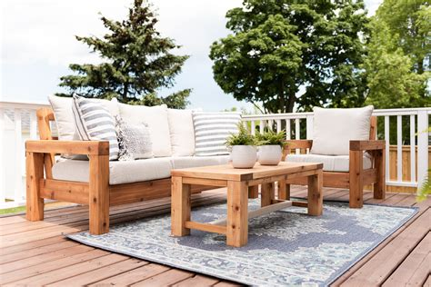 Outdoor-Furniture-Couch-Plans