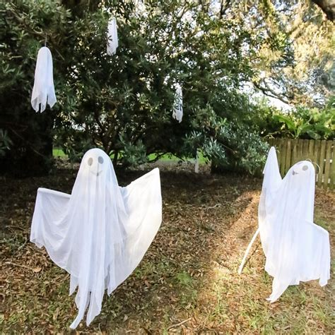 Outdoor-Ghost-Decorations-Diy