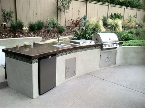 Outdoor-Kitchen-Bbq-Island-Plans