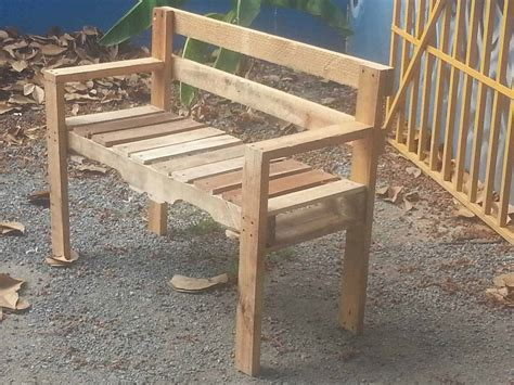 Outdoor-Pallet-Bench-Plans