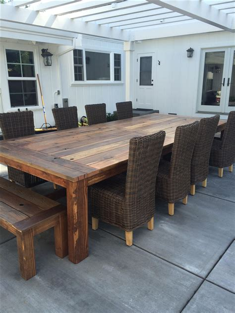 Outdoor-Patio-Farm-Table