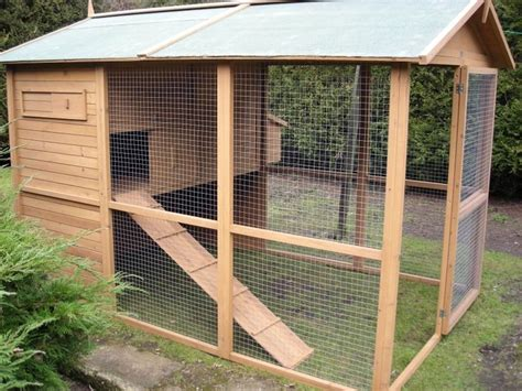 Outdoor-Rabbit-Hutch-And-Run-Plans