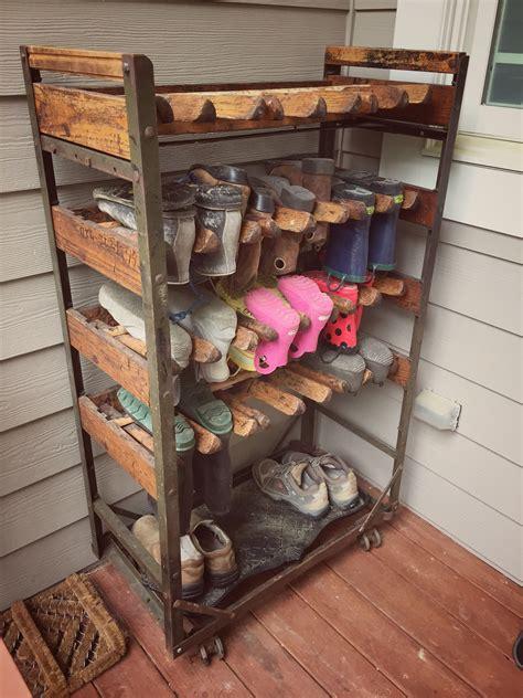 Outdoor-Shoe-Rack-Diy