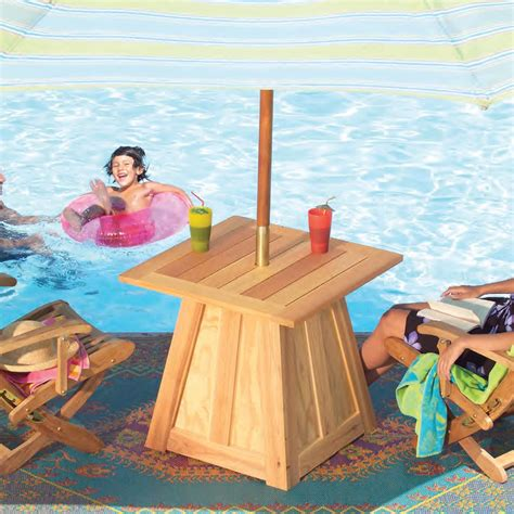 Outdoor-Table-With-Umbrella-Build-Plans