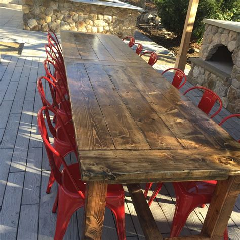 Outdoor-Wood-Farm-Table-Plans