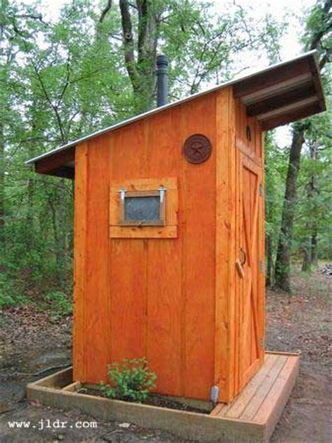Outhouse-Plans-With-Vent