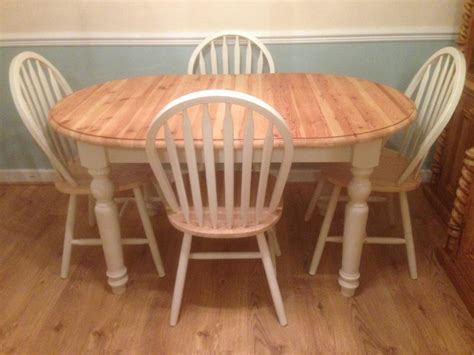 Oval-Extending-Farmhouse-Table