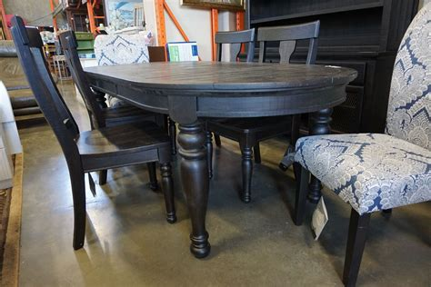 Oval-Farmhouse-Kitchen-Table-With-Extension