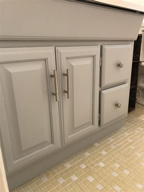 Painted Oak Cabinets With Grain Showing