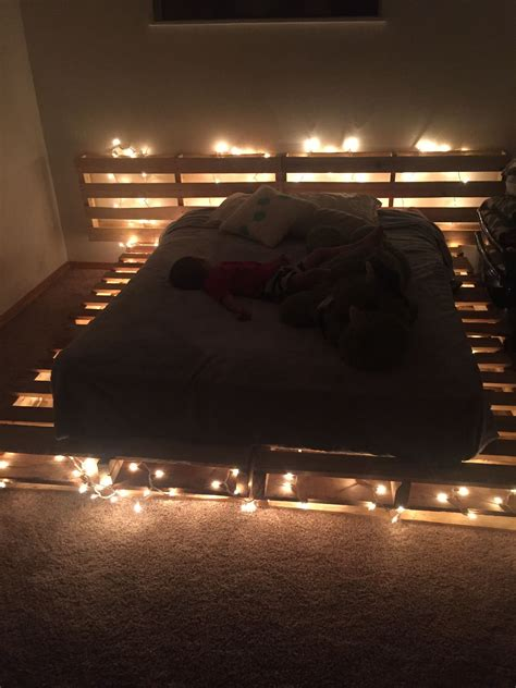 Pallet Bed With Lights Diy