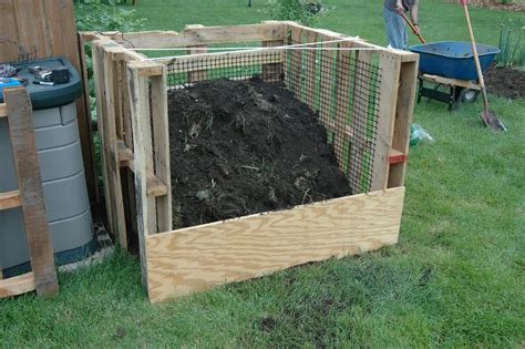 Pallet Compost Bin Instructions For 1040a