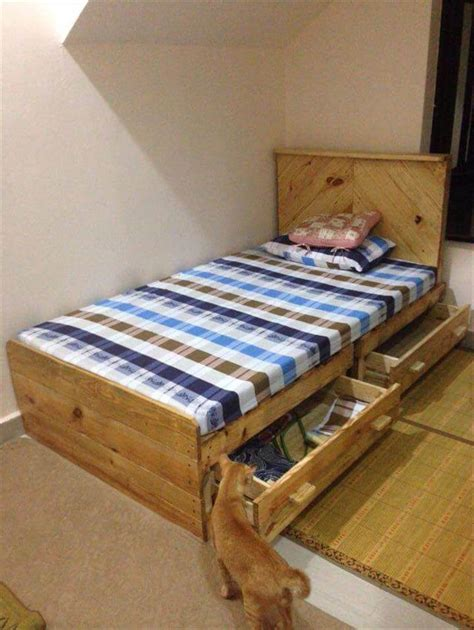 Pallet Double Bed Diy Rail