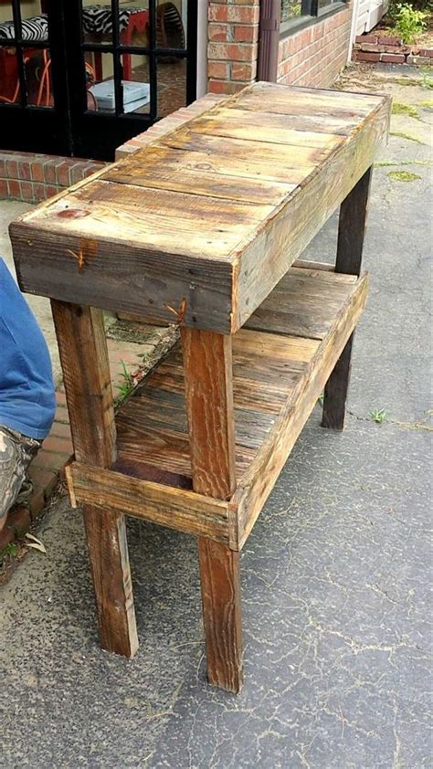 Pallet Entry Table Diy With Shelf