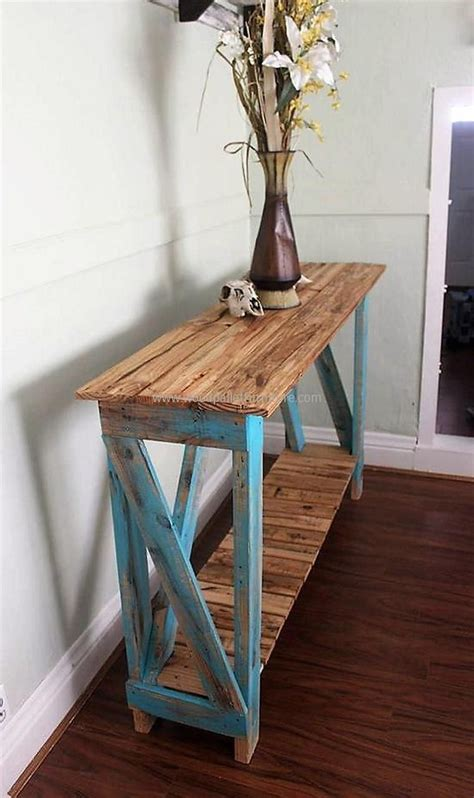 Pallet Entry Table Ideas
