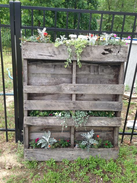 Pallet Flower Bed Diy Decor