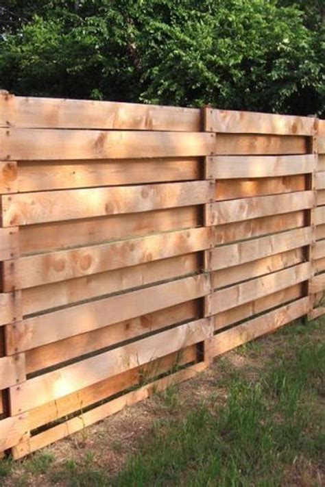 Pallet Privacy Fence Ideas