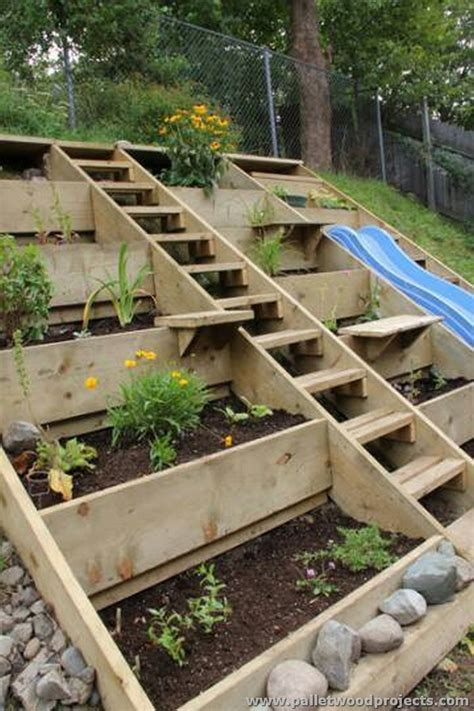 Pallet Wood Garden Projects
