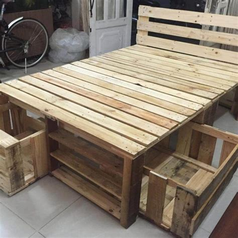 Pallet-Bedroom-Furniture-Plans
