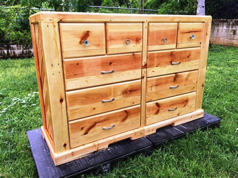 Pallet-Chest-Of-Drawers-Plans