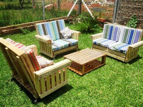 Pallet-Deck-Furniture-Plans