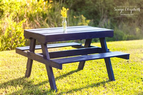 Pallet-Picnic-Table-Free-Plans