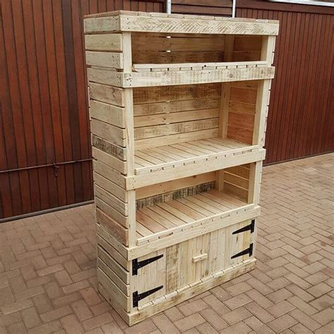 Pallet-Storage-Shelving-Diy