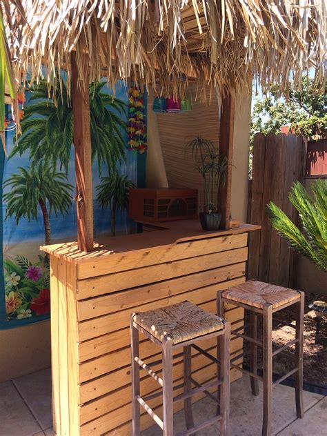 Pallet-Tiki-Bar-Diy