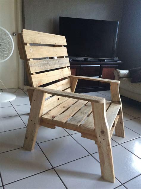 Pallet-Wood-Chair-Plans