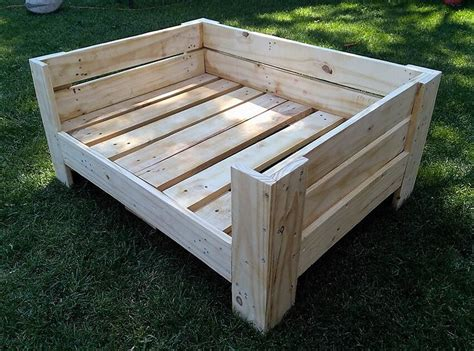 Pallet-Wood-Dog-Bed-Plans