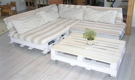 Pallette Sofa Diy