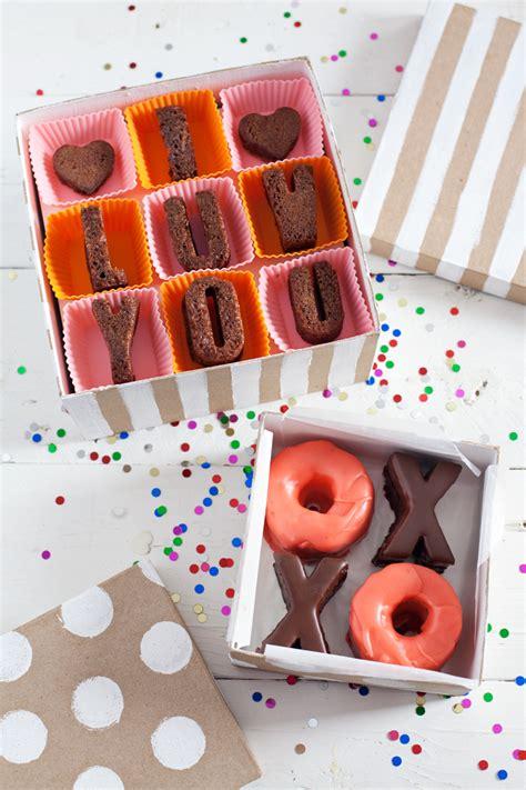 Pastry-Gift-Box-Diy
