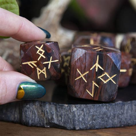 Petrified Wood Divination Meaning