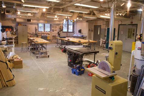 Photos-Of-Woodworking-Shops
