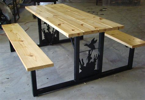 Picnic-Table-Welded-With-Trex-Plans