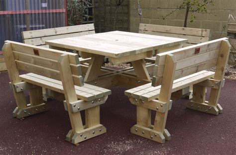 Picnic-Table-With-Backrest-Plans