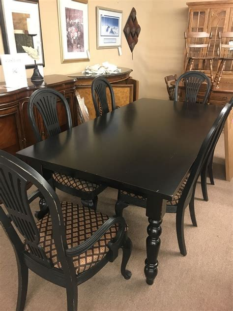 Pier-1-Farm-Table