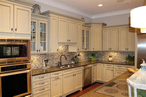 Pine Cabinets With Granite