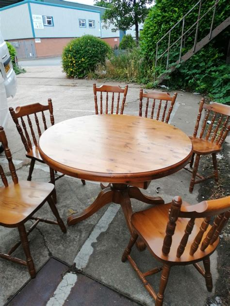 Pine-Dining-Table-And-6-Chairs