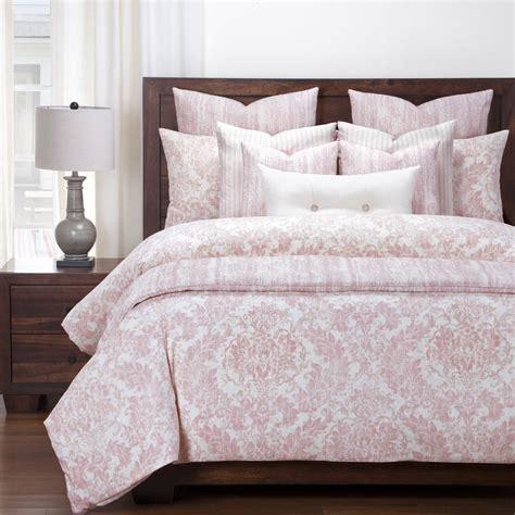 Pink-Farmhouse-Bedding