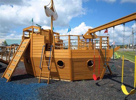 Pirate-Ship-Playhouse-Plans-Pdf