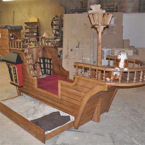 Pirate-Ship-Twin-Bed-Plans