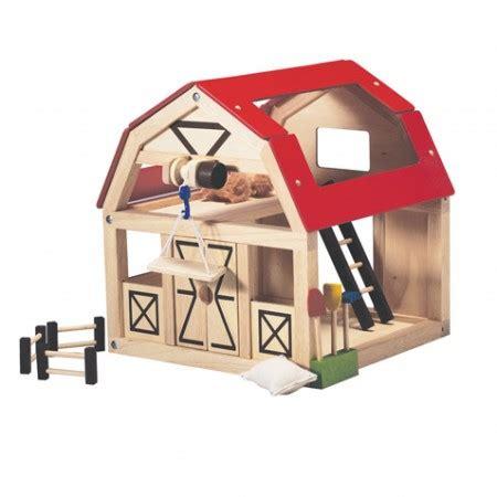 Plan-Toys-Barn