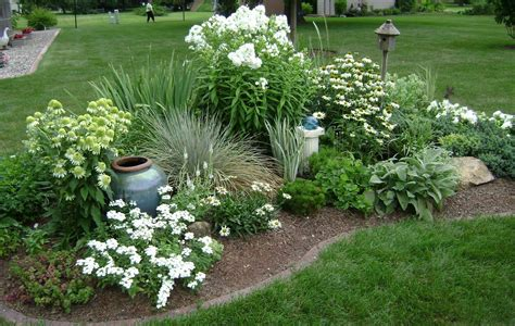 Planning-A-New-Flower-Bed