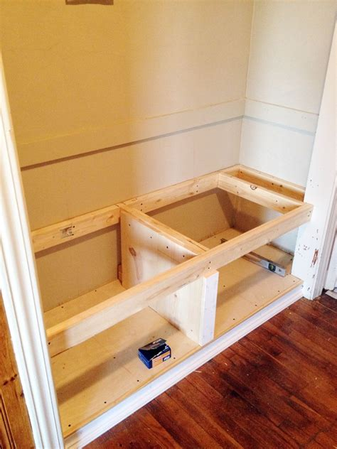 Plans For Diy Bench Inside Closet